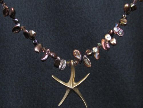 N029 Gold Starfish Pendant