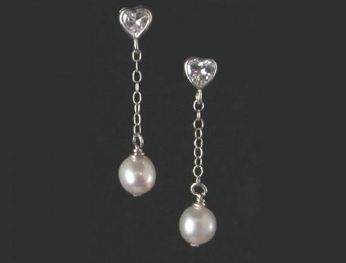 W007 – Heart shape crystal  drop pearl